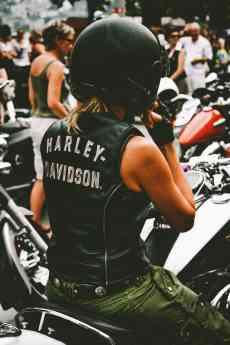 Cazadoras de moto