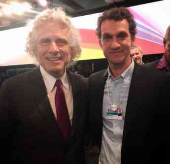 Javier Arroyo y Steven Pinker en el Foro Mundial de Educación