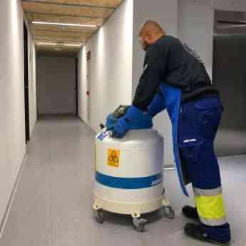 Traslado de tanques de nitrógeno líquido
