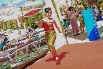 Siam Park se llena de color para celebrar la llegada del año nuevo tailandés