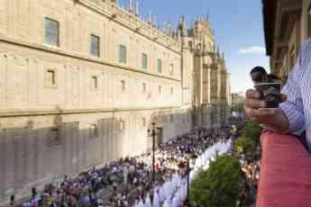 La pasión por Semana Santa se vive desde el balcón de SAIMAZA
