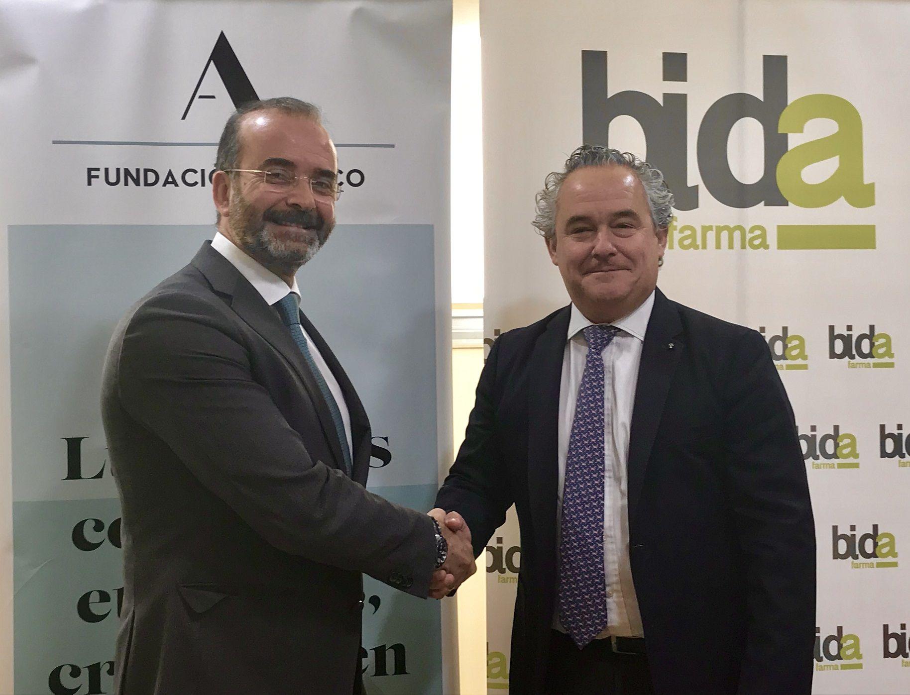 Foto de Bidafarma y Fundación Adecco