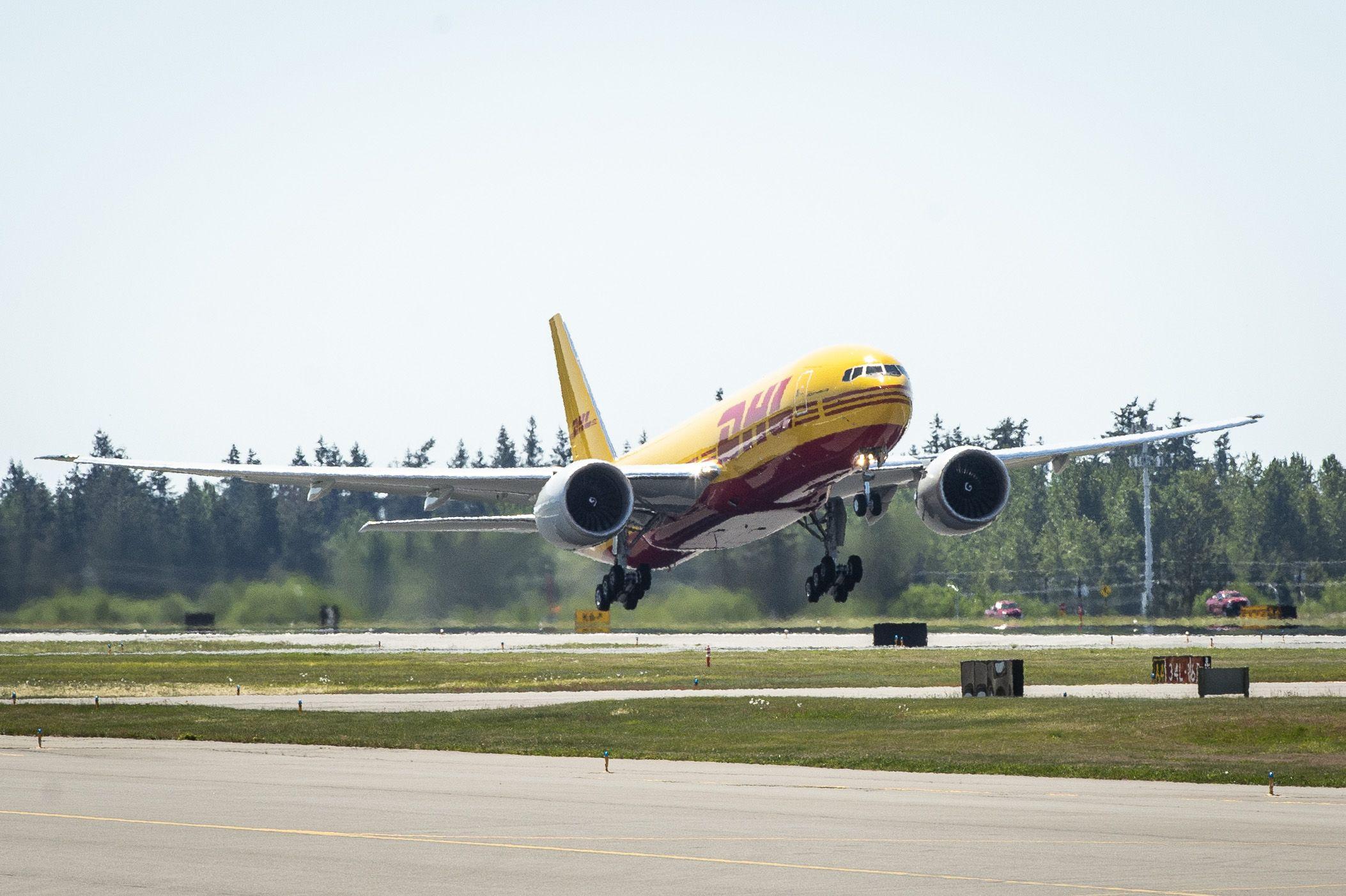 Foto de Vuelo del nuevo Boeing 777 de DHL