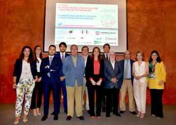 Foto de familia de los participantes en la presentación del informe, que ha tenido lugar esta mañana en Sevilla.
