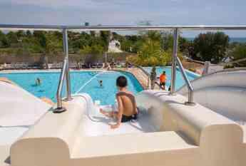 La piscina del Camping Resort Alannia Els Prats.