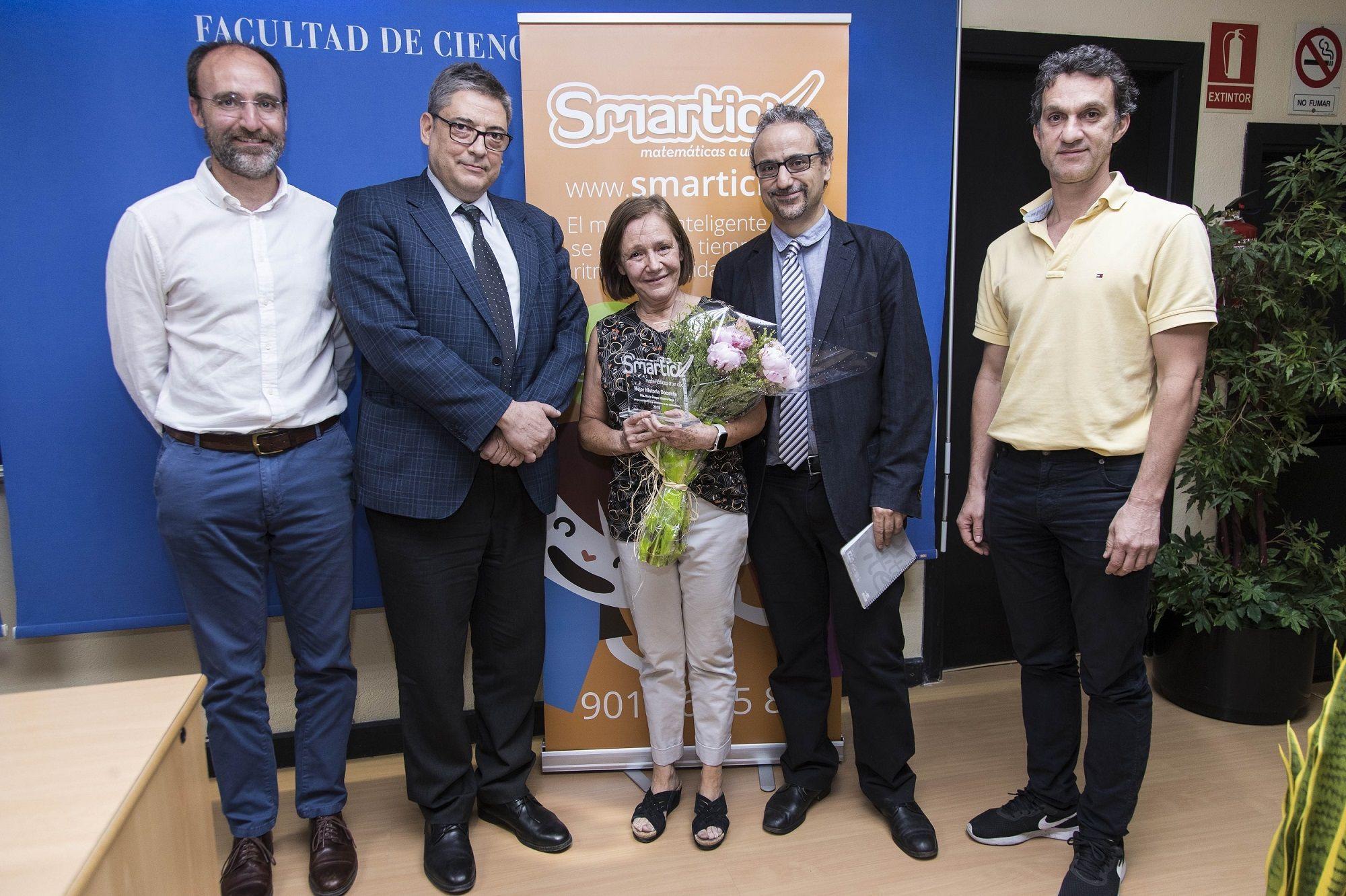 alt - https://static.comunicae.com/photos/notas/1205587/1560522610_Foto_Premio_Smartick_Historia_Docente_2019.jpg
