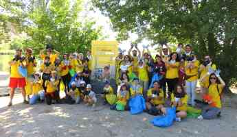 Voluntarios de DHL participan en el proyecto Libera de SEO/BirdLife y Ecoembes