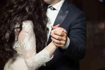 Diferencias entre los anillos de matrimonio y de compromiso
