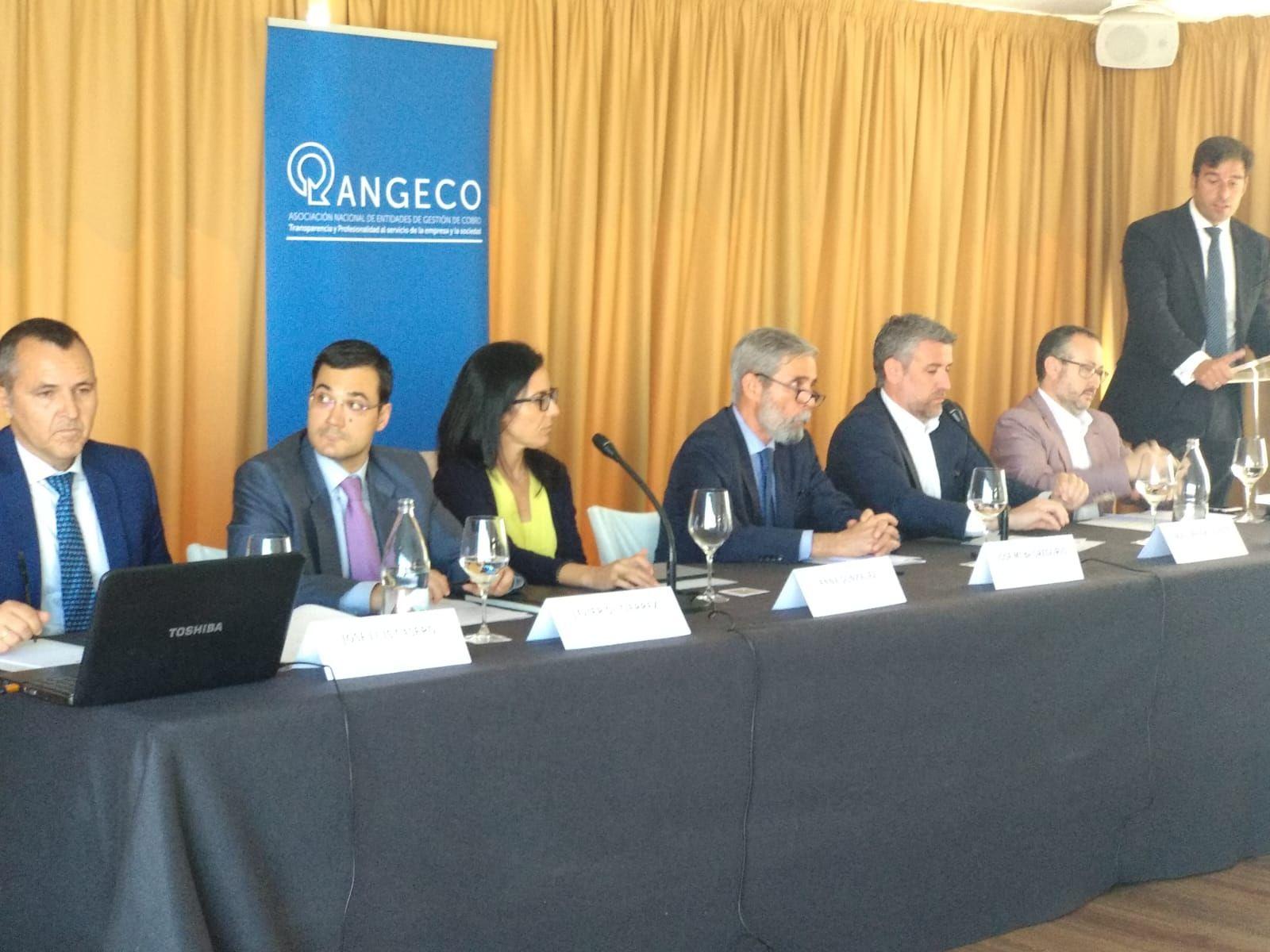 Foto de Mesa Debate ANGECO sobre conciliación e igualdad