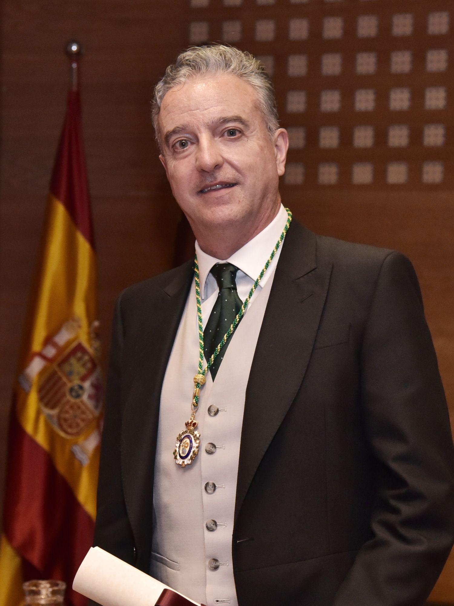 Foto de Javier Ventura-Traveset, nuevo académico de la Real Academia