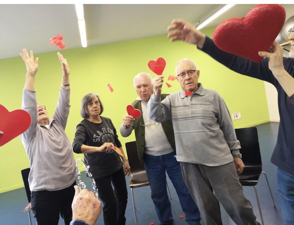 El baile como terapia para mejorar la vida diaria de los pacientes con Parkinson