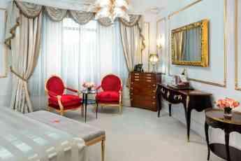 Foto de Suite de Hotel Ritz con espejo tv