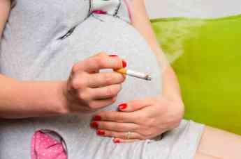 El ácido fólico ayuda a evitar problemas de desarrollo del feto, especialmente en futuras madres fumadoras