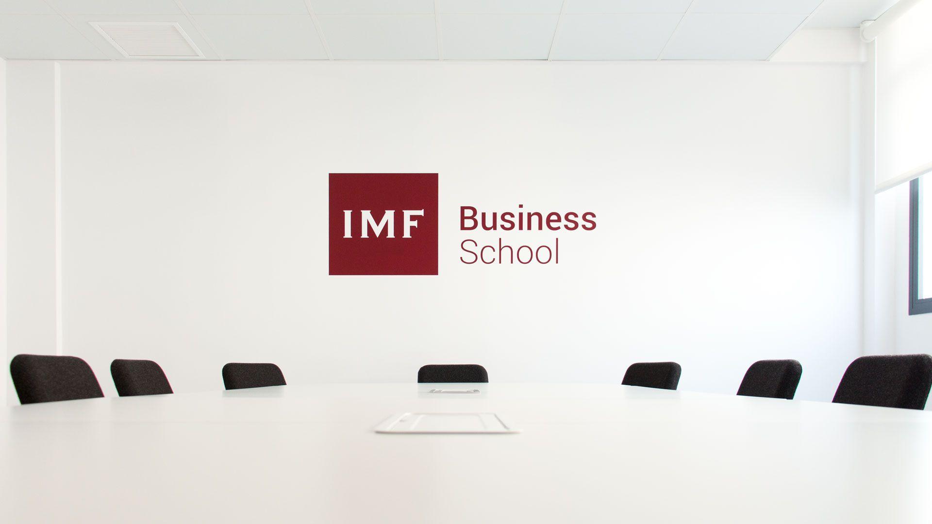 Fotografia IMF Business School analiza 7 habilidades de la