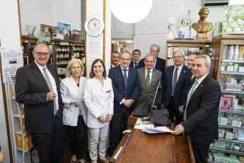 Foto de la presentación esta mañana del sistema que se ha probado en la farmacia Camino Iruretagoyena de San Sebastián.