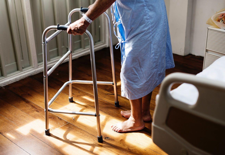 Foto de La soledad crece para las personas mayores con la llegada de