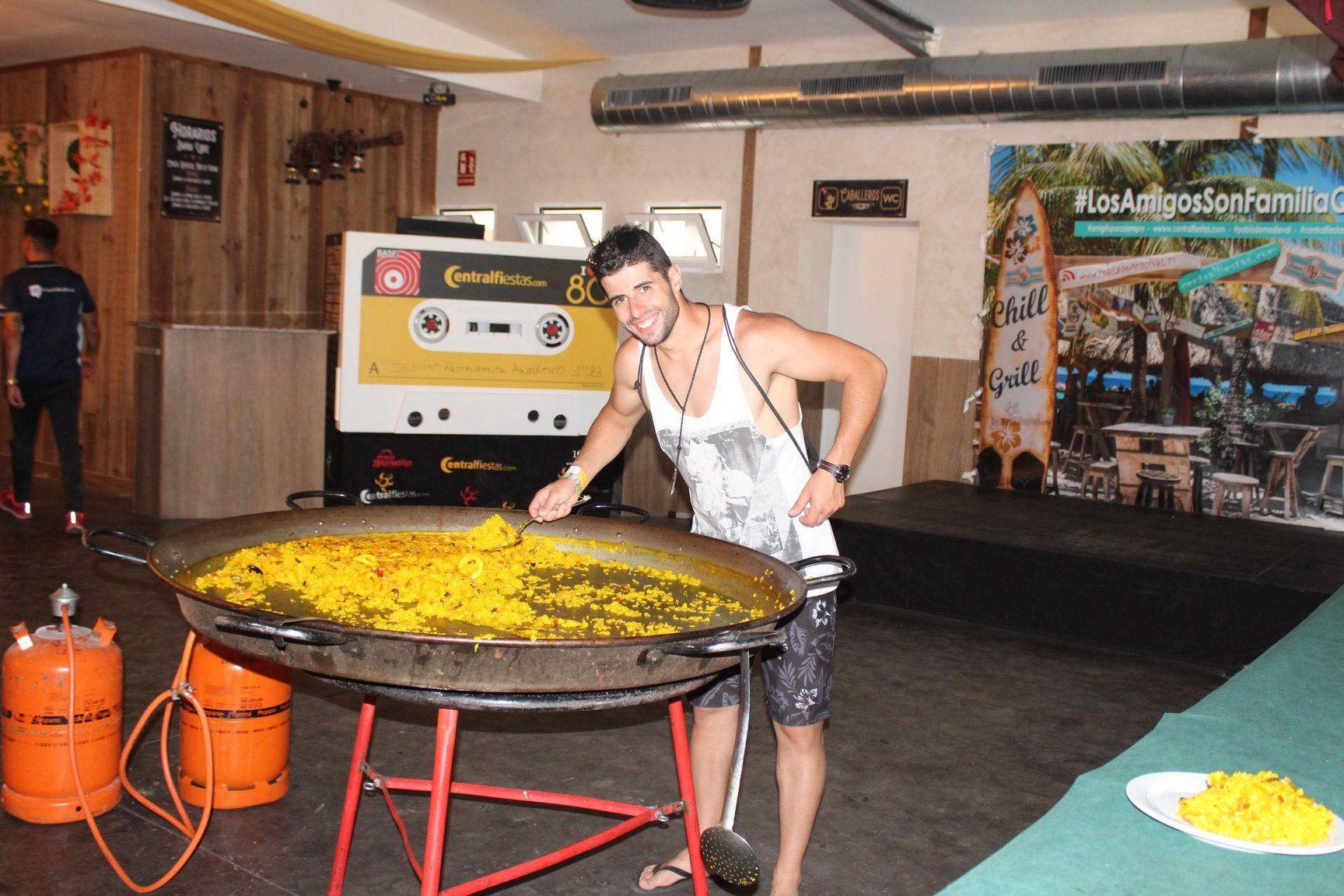 Fotografia Paella gigante como una de las comidas incluidas en