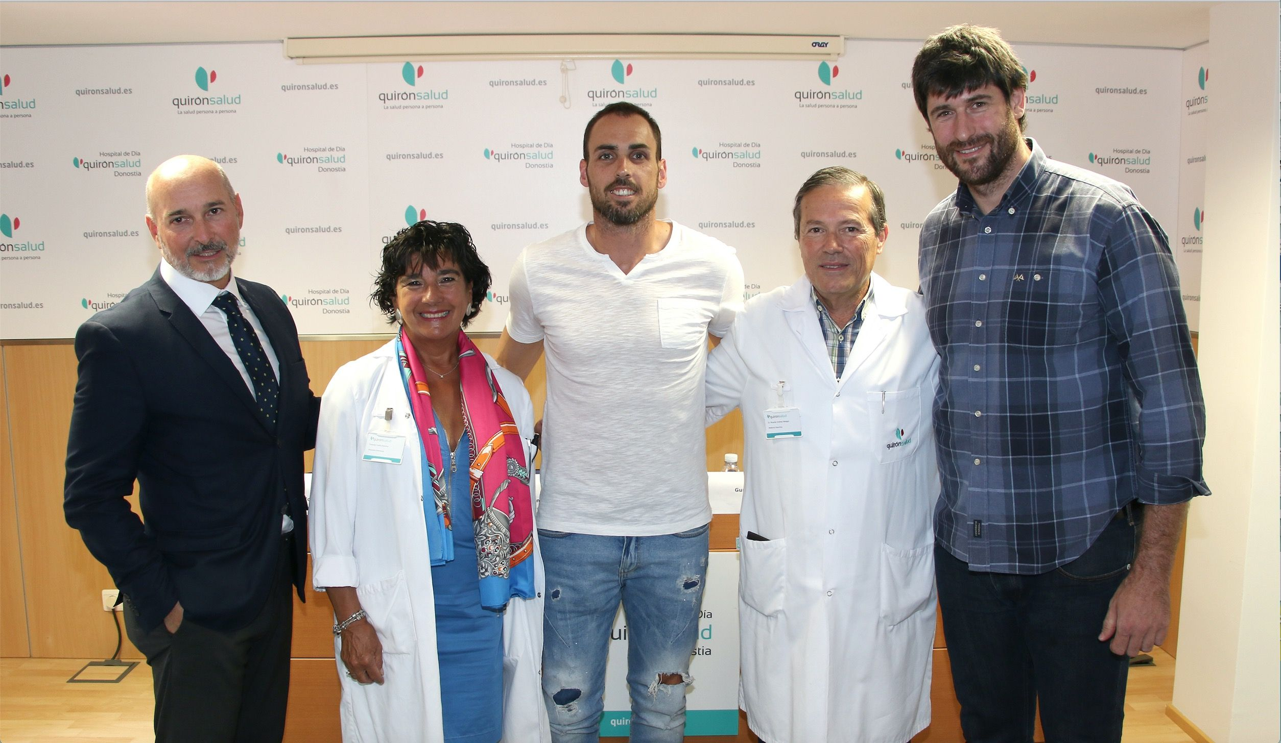 Foto de Renovación del acuerdo entre el C. D. Bidasoa y el Hospital