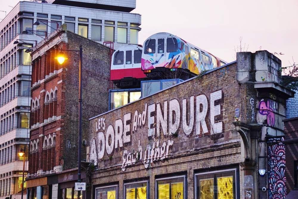 Las grandes marcas llegan a las calles de la mano del arte callejero