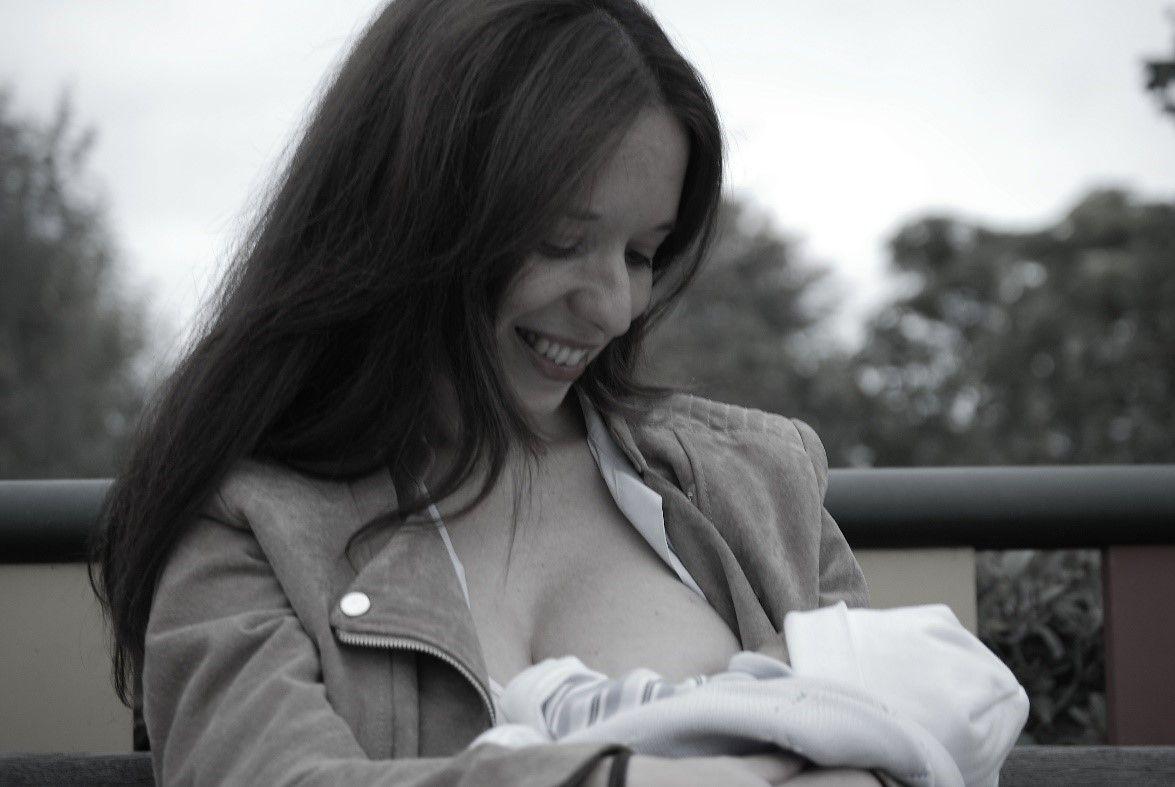 Foto de La primera palabra que signa un bebé es para pedir pecho
