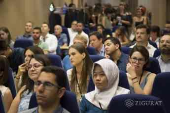 Alumnos de 43 nacionalidades participan en la Zigurat Student Week