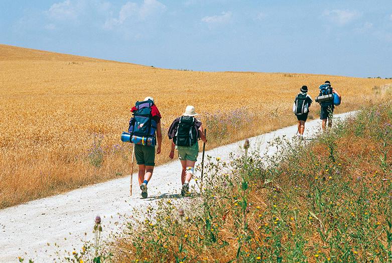 FisioClinic Valencia valora la importancia del peso en la espalda y la sobrecarga en los pies