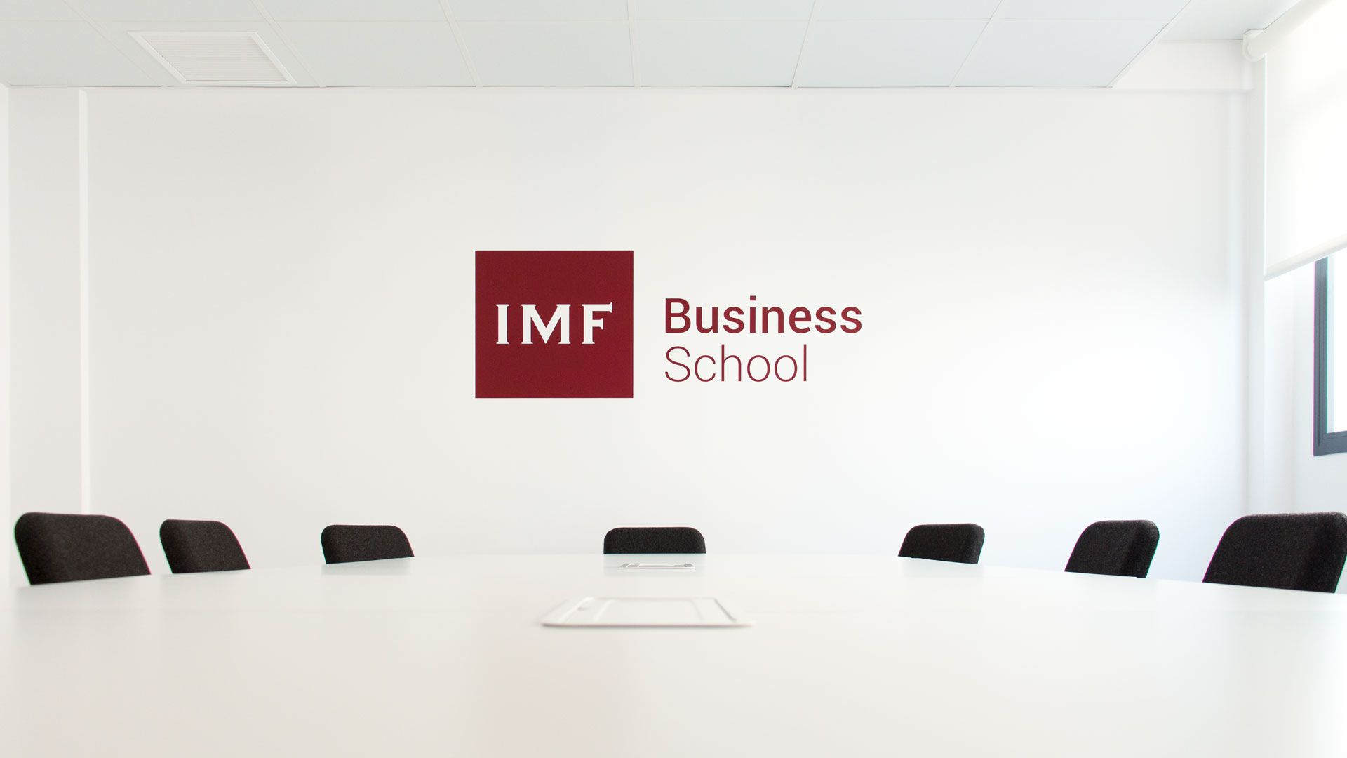 Foto de IMF Business School analiza la baja laboral voluntaria:
