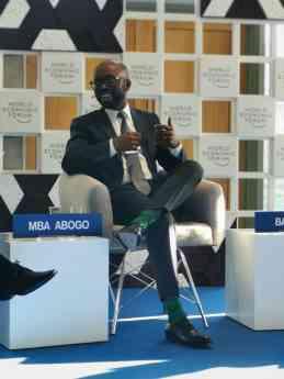 Foto de Ministro César Mba Abogo