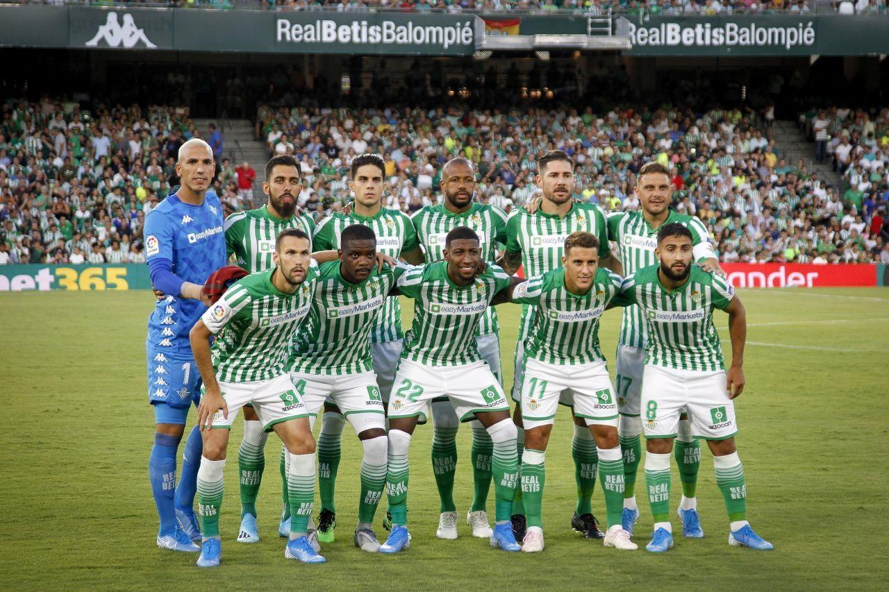 Foto de Real Betis Balonpié y easyMarkets