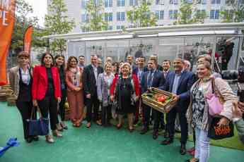 Inauguración del Invernadero Móvil que recorrerá Europa promocionando las frutas y hortalizas europeas