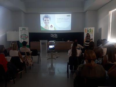 Foto de GUM® forma a los farmacéuticos de Jerez sobre la relación
