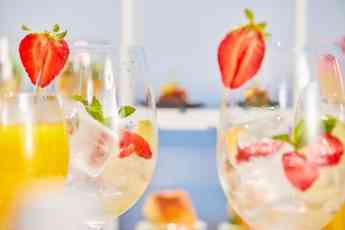 La bebida que hará que la sensación de verano nunca acabe: el cava