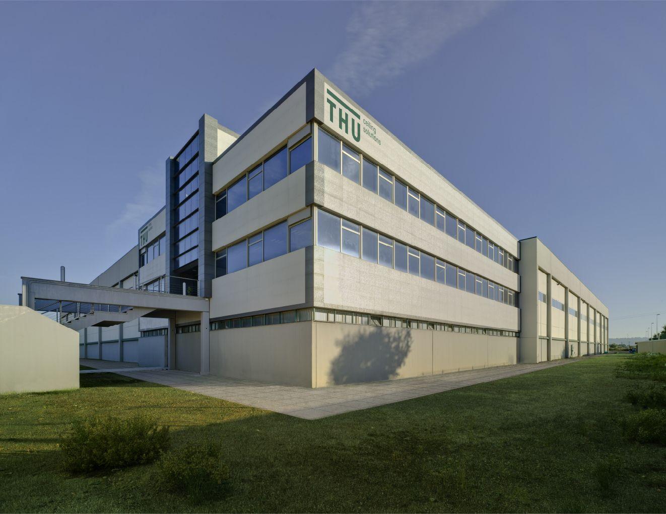 Foto de edificio THU