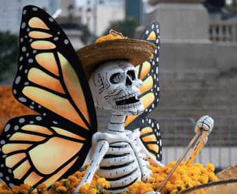 Desfile de muertos