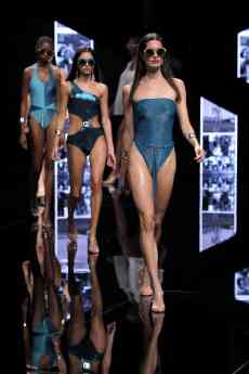 Foto de Guillermina Baeza By Cione en Moda Cálida