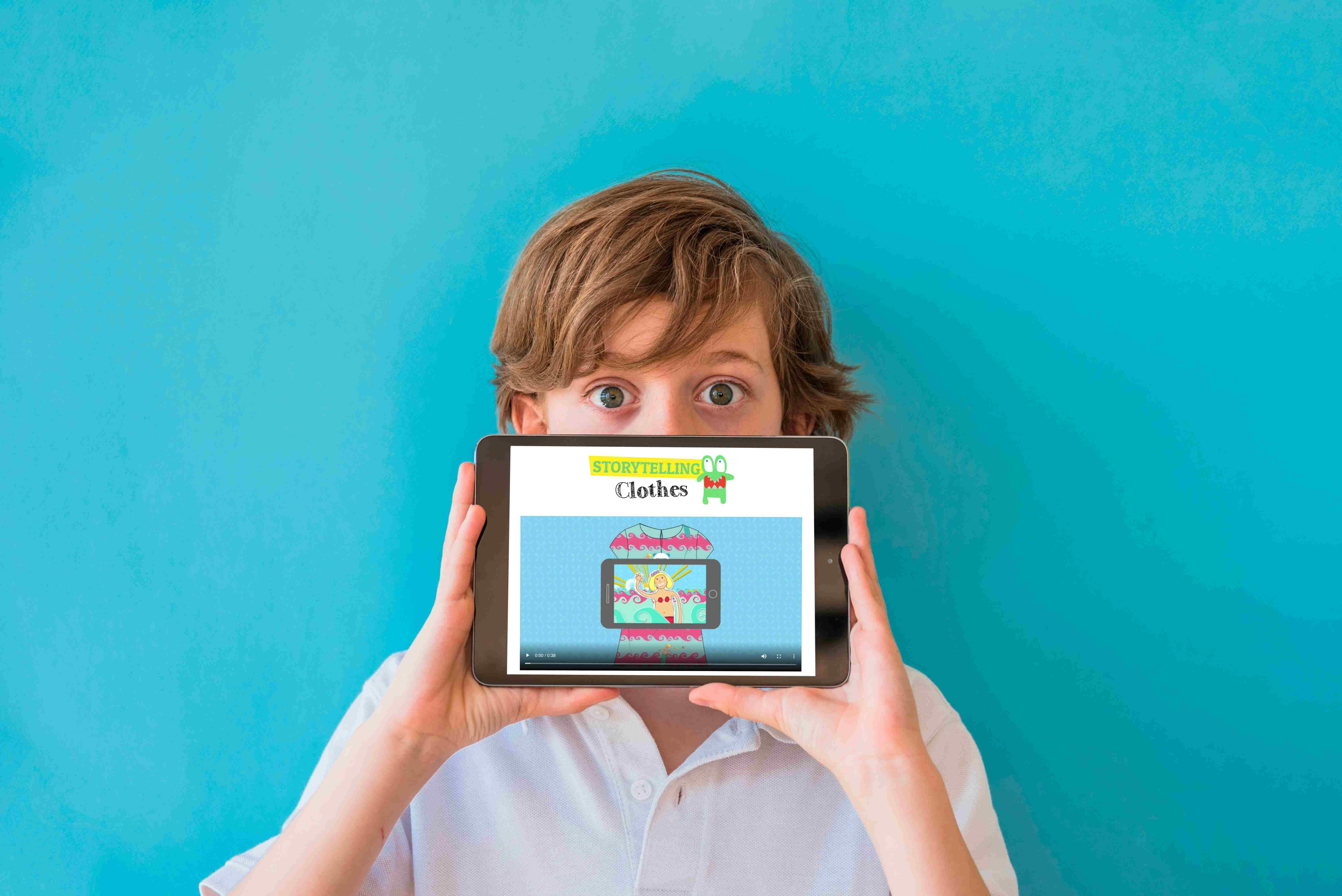 Foto de Niño con tablet
