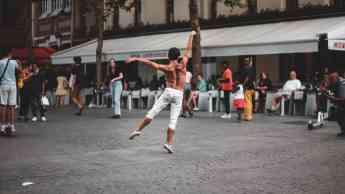 Clínica Rozalén explica los 8 beneficios del ballet