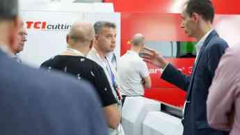 Foto de Ingeniero frente a Smartline