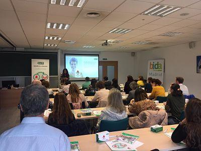 Foto de Sesión de formación sobre diabetes y periodontitis en