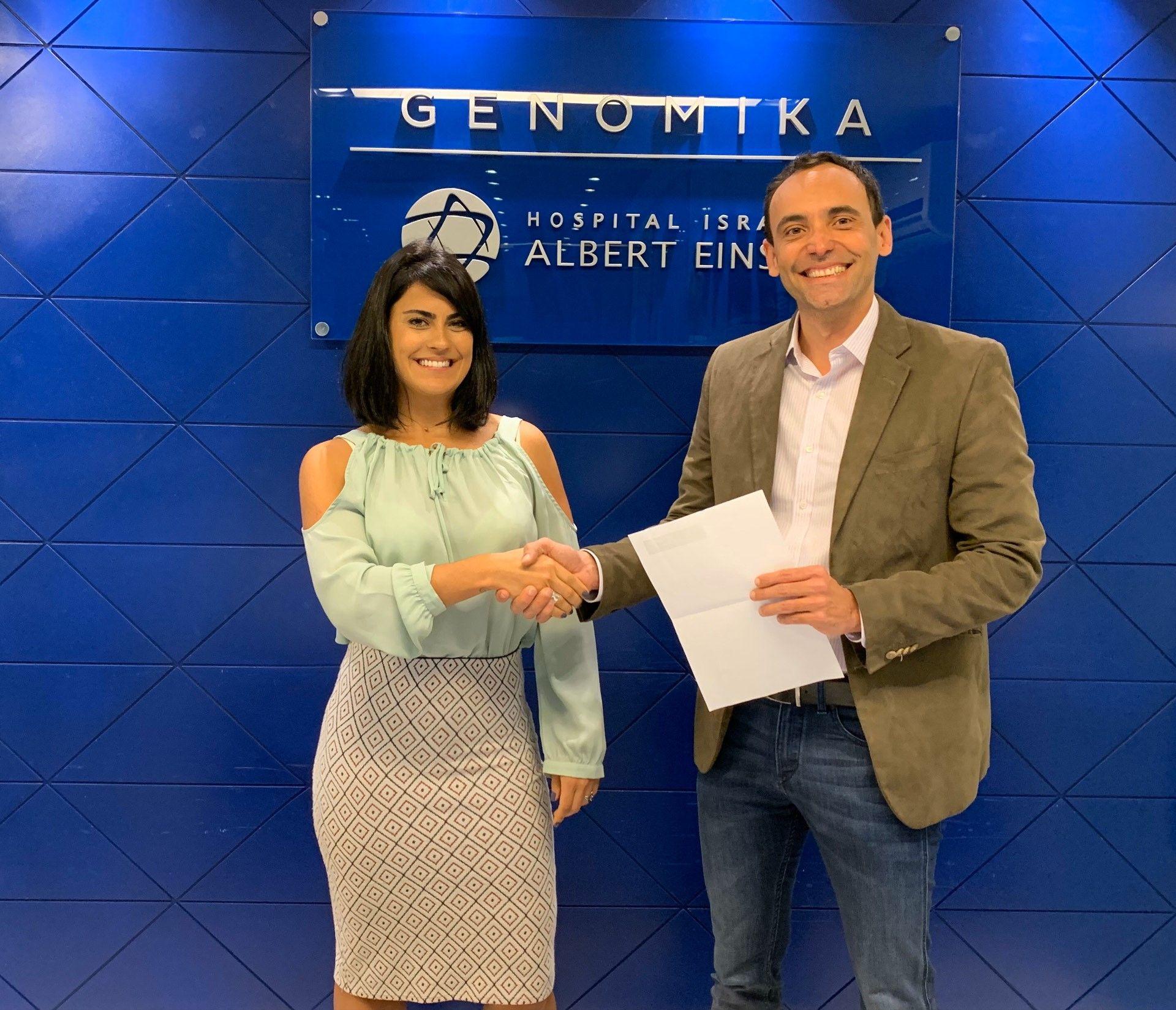 """Foto de """"Gabriela Becker, Directora de Veritas Brasil formaliza el"""