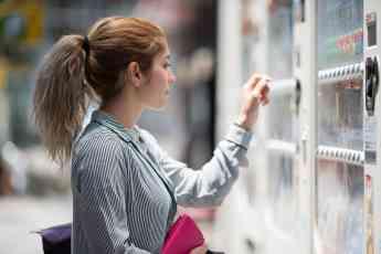 """Worldline presenta """"Valina"""" su terminal  de próxima generación que, adicionalmente a su función de pago, proporciona un punto de"""