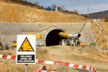 Foto de Túnel de Requejo