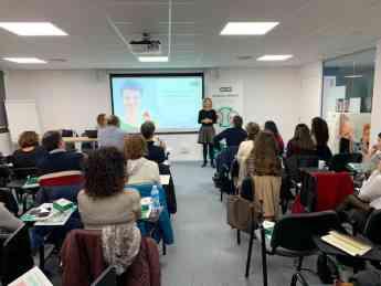 Sunstar GUM Imparte sesión de formación en motivo del Dái Internacional de la Diabetes