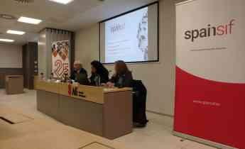 de izquierda a derecha, Joaquín Garralda (Spainsif), Iratxe Galdeano (AFI) y Elena Tejero (Dirección General de Seguros y Fondos