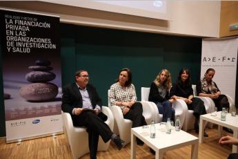De izda. a dcha., los participantes en la jornada de la AEFr celebrada hoy en Barcelona: Ricard Valls, Glòria Garcia Castellví,