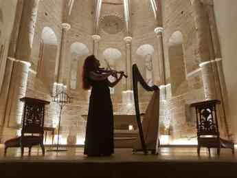 Concierto de arpa celta en la iglesia de San Miguel.