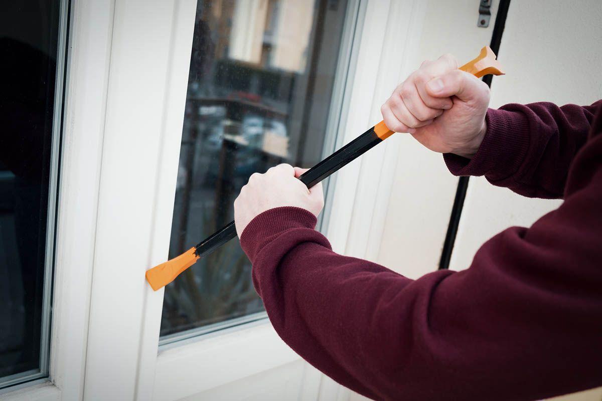 El portal ventanasypuertasdealuminio.es explica como el aluminio es un aliado frente a los robos