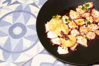 Los Montes de Galicia presenta su receta de pulpo para estas Navidades