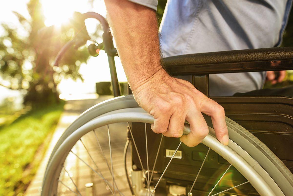 Ventajas de alquilar una silla de ruedas, por La Casa del Enfermo