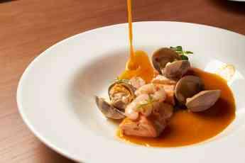 Los Montes de Galicia presenta la mejor receta de SOPA DE PESCADO para Navidad